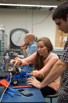 UCSB mechanical engineering students building their RoboRat