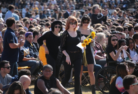photo of mourners