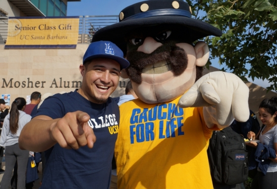 UCSB Class of 2015 senior with Ole