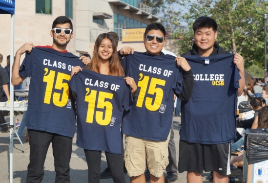 UCSB Class of 2015 students with t-shirts