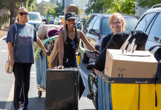 Happy trio during UC Santa Barbara 2018 Move-In Weekend