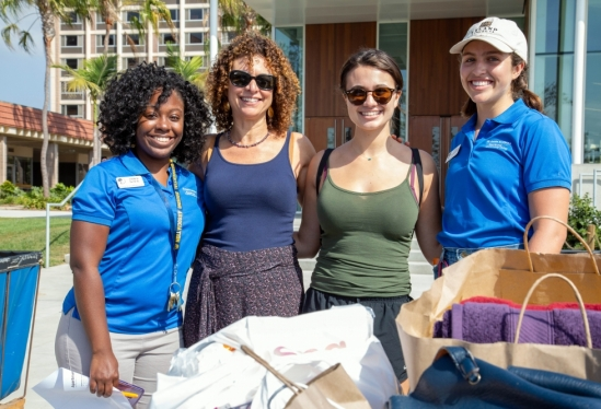 UC Santa Barbara residential staff with a new student and mom at 2018 Move-In
